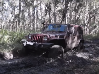 4x4 Wrangler in the mud